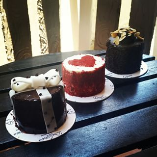 Red Velvet, Double Chocolate, Dindin Carmona